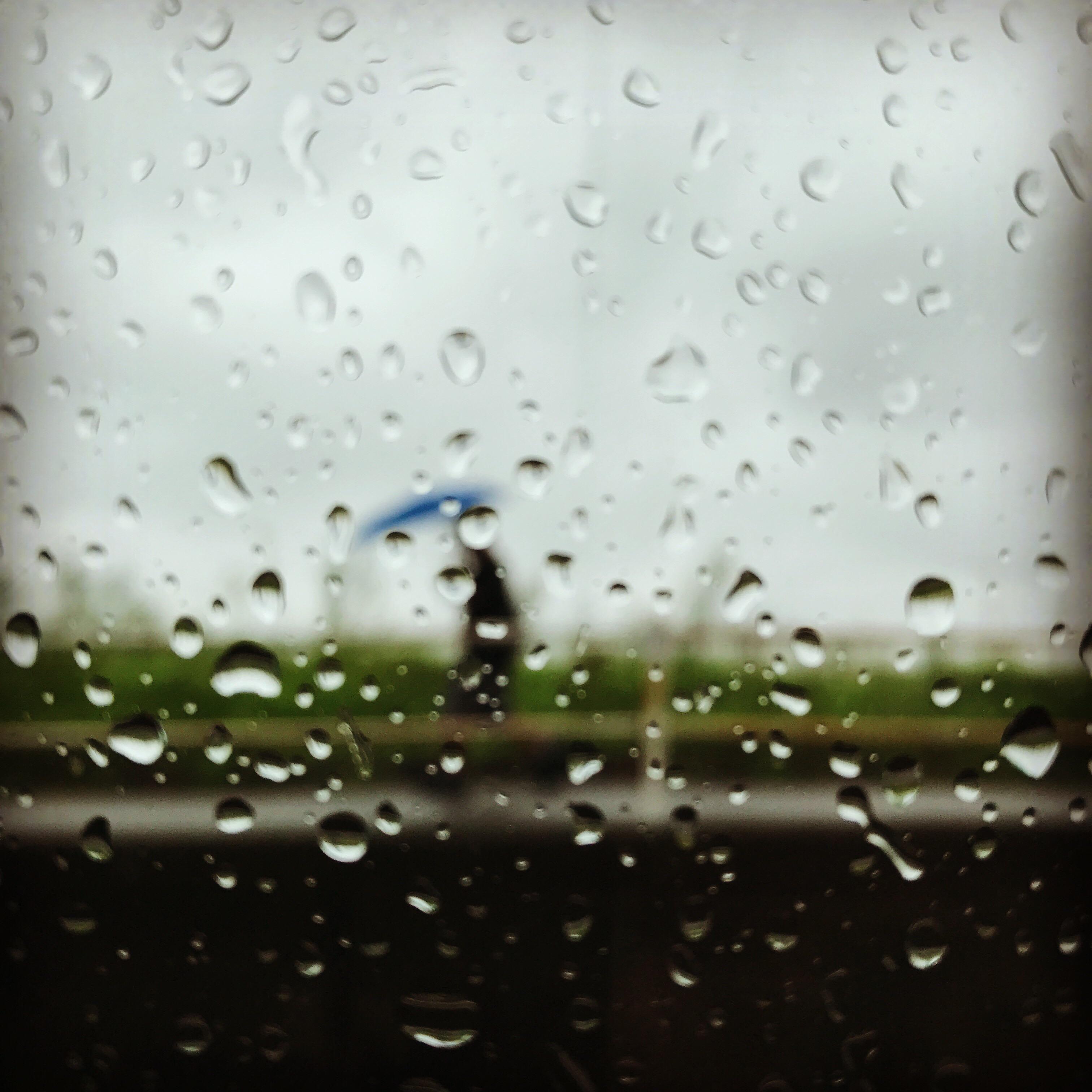 雨が、、とまりません